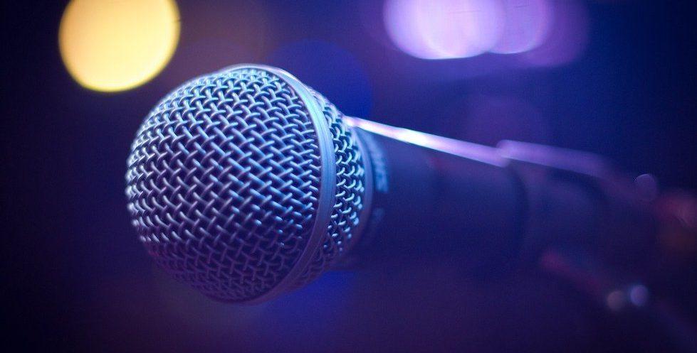 Bluetooth Lautsprecher mit Mikrofon